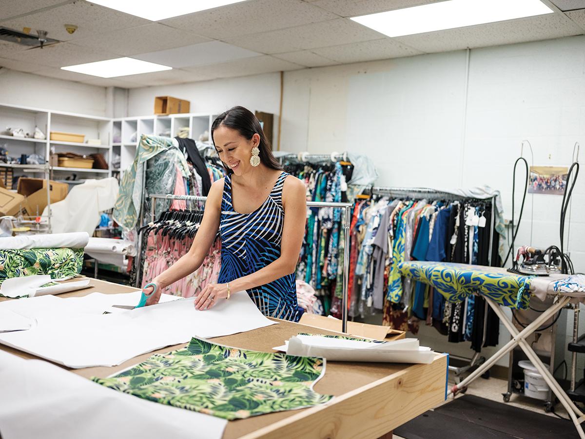Made In Hawaii Iolani Sportswear 2