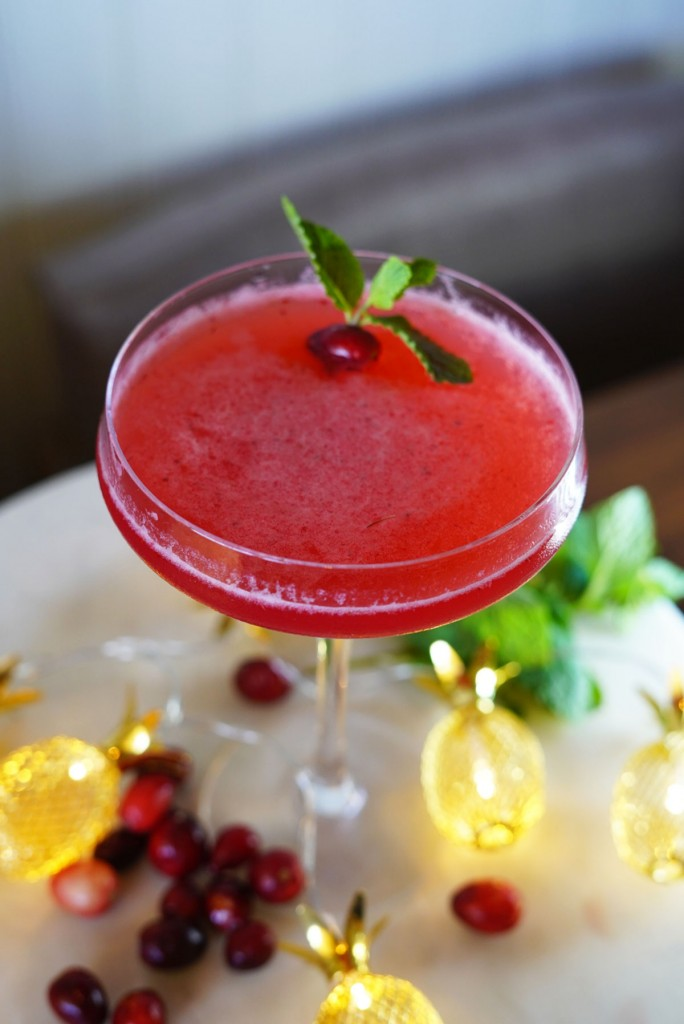 Tommy Bahama Huladays Cocktail 1200
