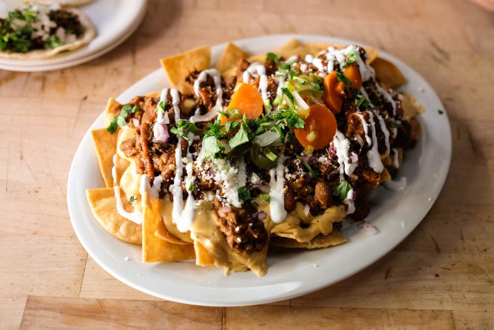nachos-encoresaloon
