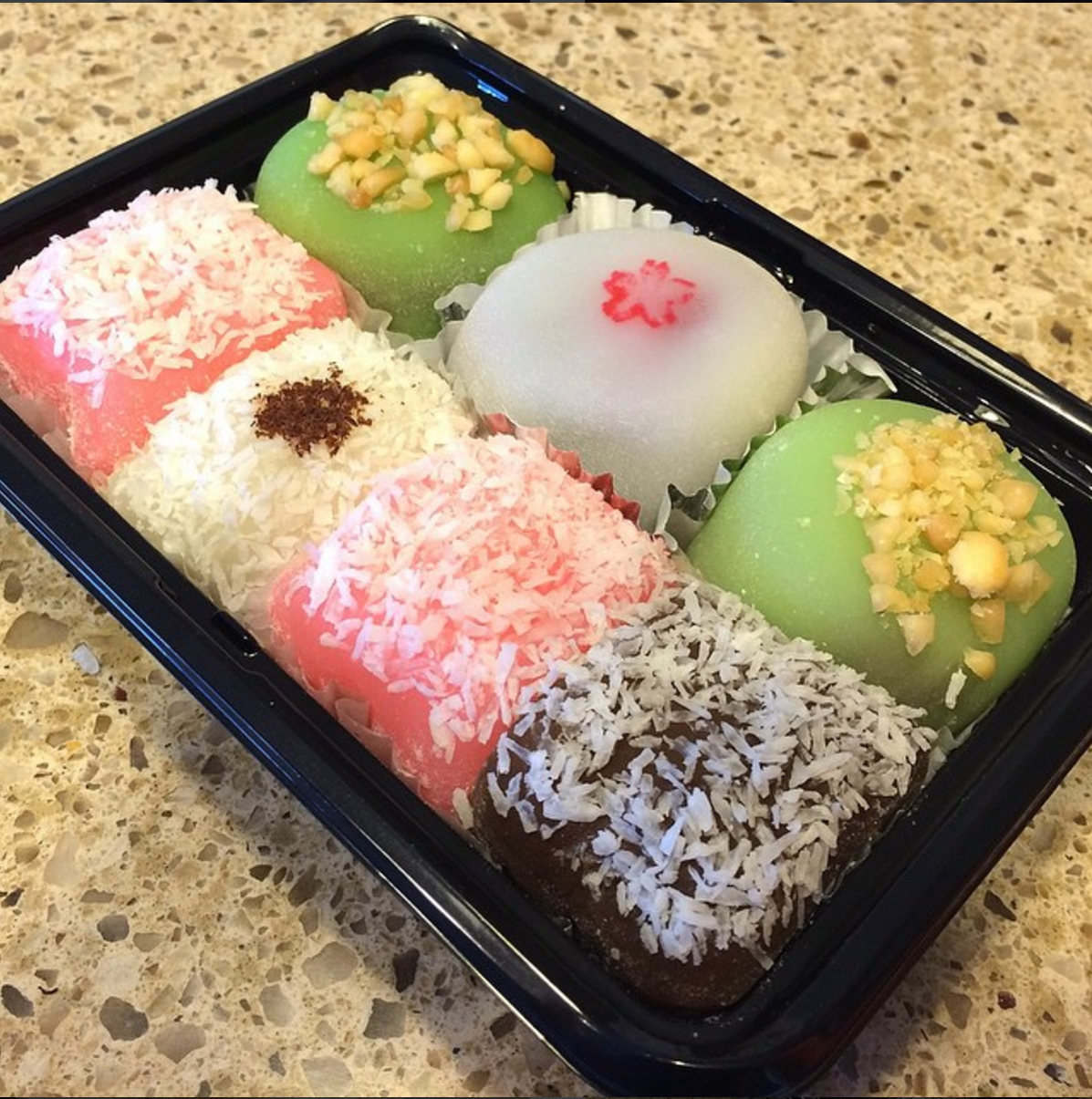 Happy Hearts mochi assortment