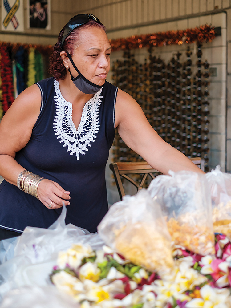 Longtime Airport Lei Seller Stacy Farias Keeps Her Familys Tradition Going Rgb