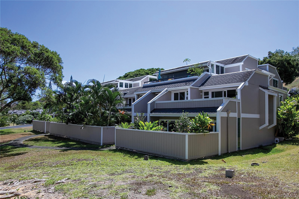 Raging Real Estate Hawaii Realtors Share Their Tips To Navigate This High Pressure Zone Yacht Club Terrace