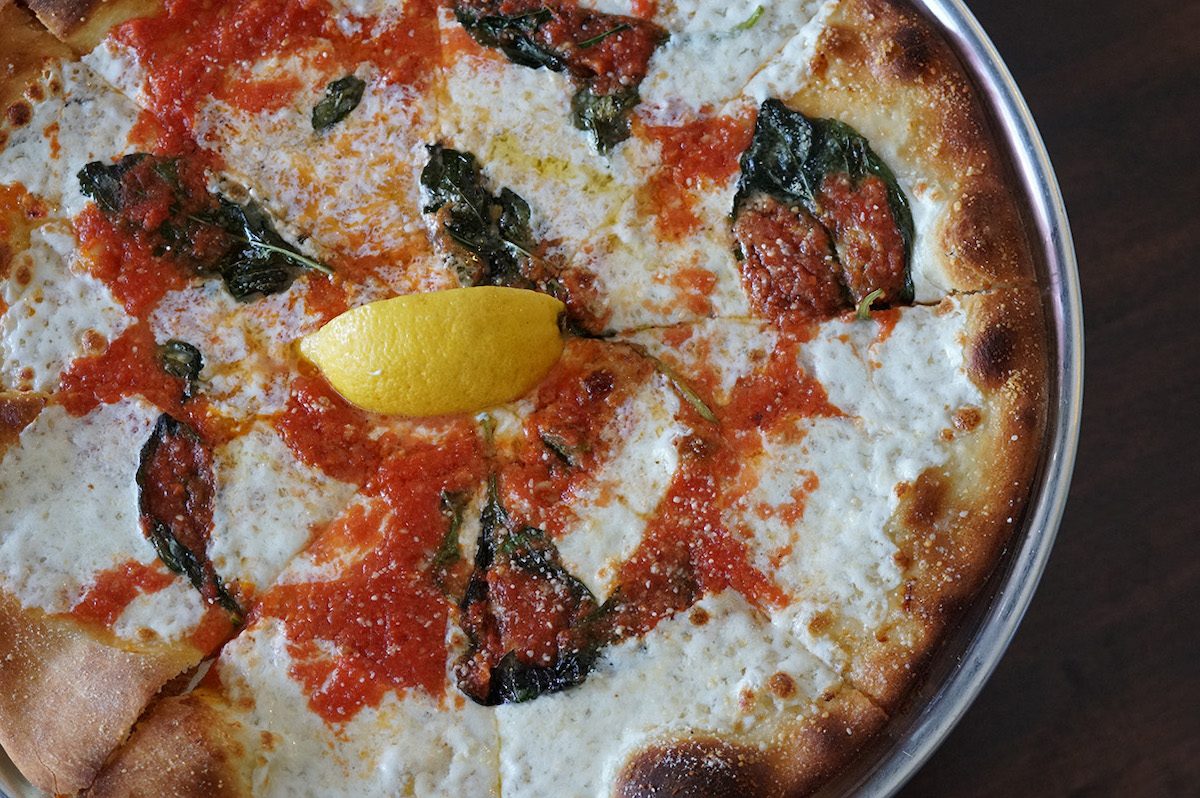 little g cafe Margherita pizza