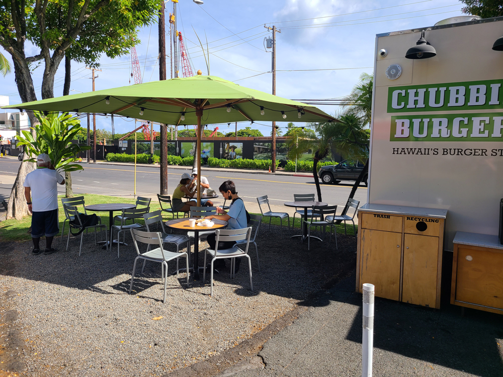 Chubbies Burgers Outside Seating