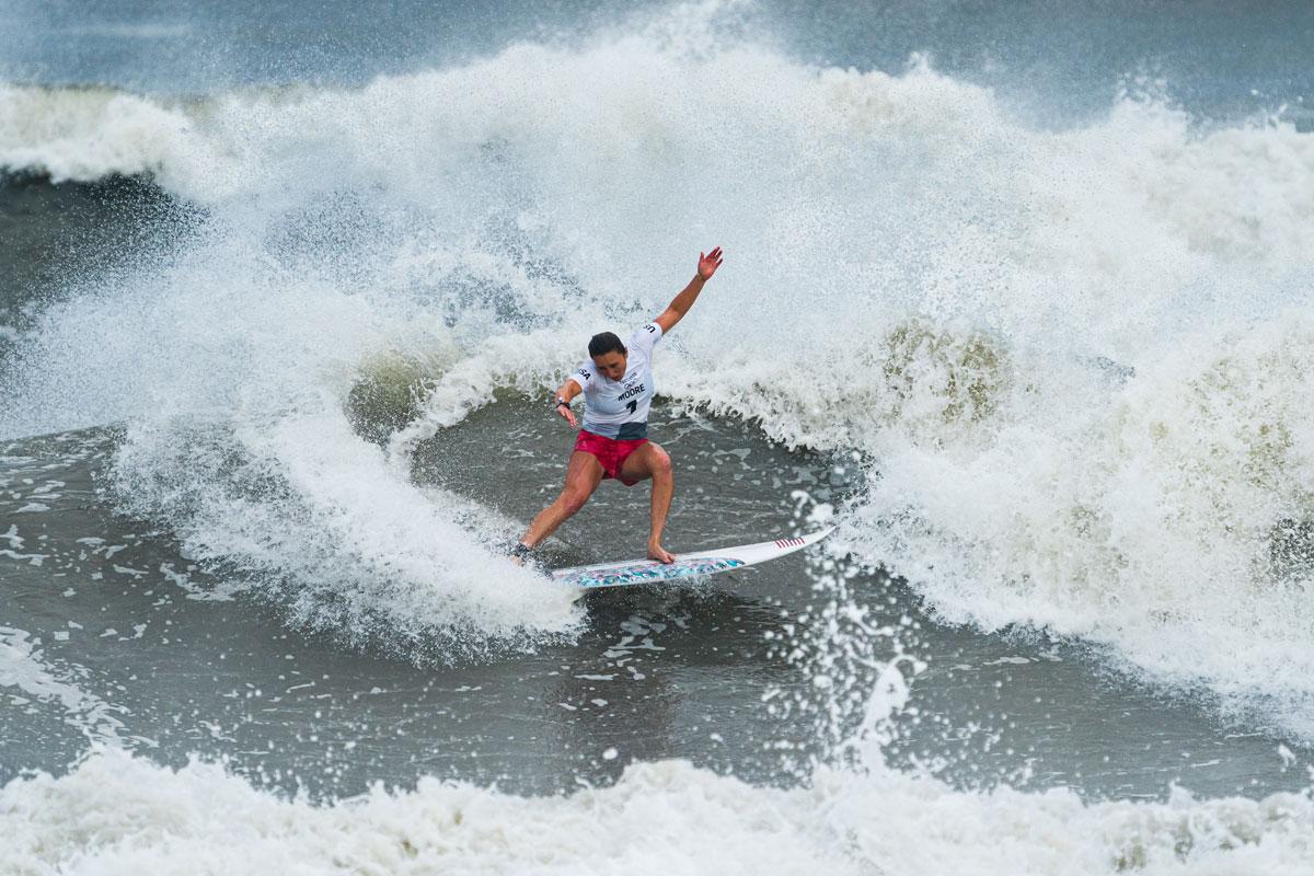 Carissa Moore Medal Round Tokyo Olympics Photo International Surfing Association Ben Reed